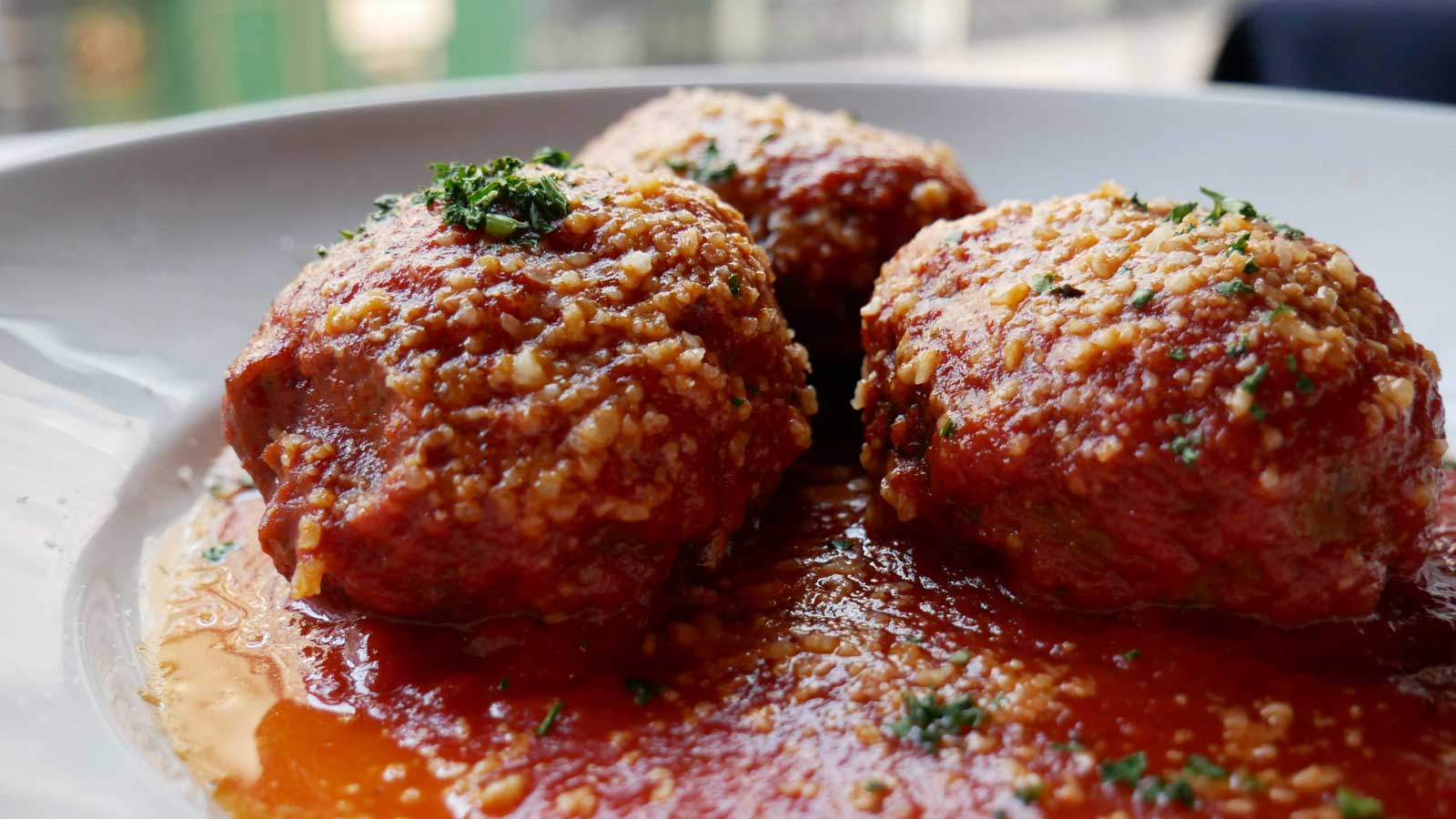 steakhouse-menu-favorites-meatballs